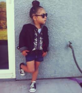 انتخاب سبک لباس برای کودکان رزامیس